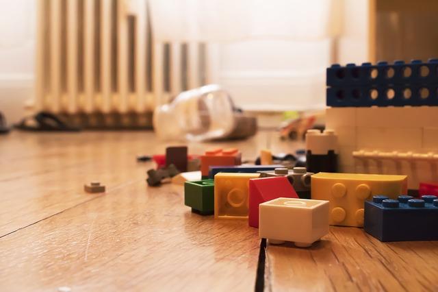 Jak utrzymać porządek w pokoju dziecka? Kilka przydatnych trików!