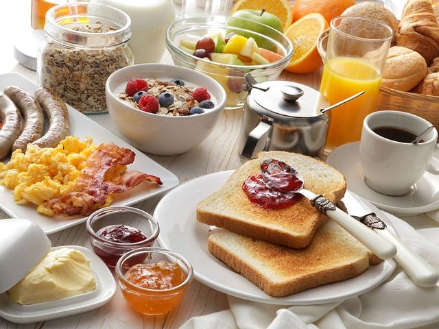 7 pomysłów na zdrowe śniadanie do szkoły. Co dać dziecku na drugie śniadanie?