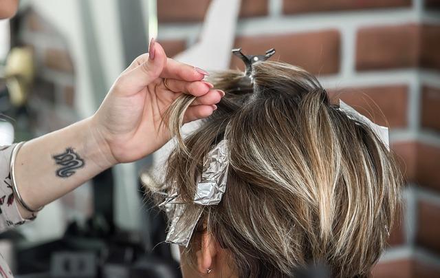 Nieszkodliwa farba do włosów – co ma w składzie, jakich szkodliwych substancji nie zawiera?