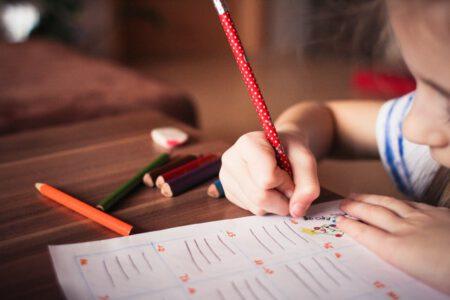 Nauka pisania – jak nauczyć dziecko pisać?